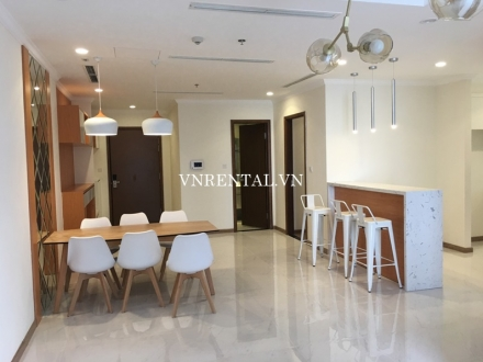 Bright and airy apartment for rent in Vinhomes Central Park, Binh Thanh District, Ho Chi Minh City