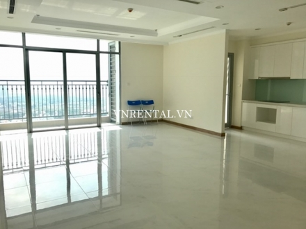 Vinhomes Central Park bright and airy 4 bedroom apartment for rent in Binh Thanh, Ho Chi Minh City