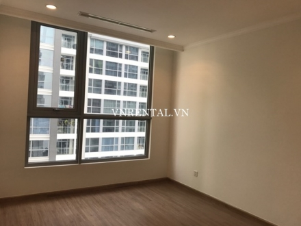 Spacious unfurnished 4 bedroom apartment for rent in Vinhomes Central Park, Binh Thanh Dist, HCMC