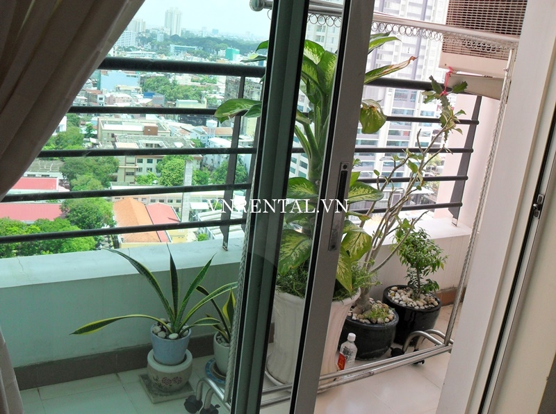 Phuc Thinh Apartment for rent in District 5-10.JPG