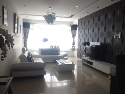 High floor apartment for rent in SaiGon Pearl Building, Binh Thanh District, HCMC